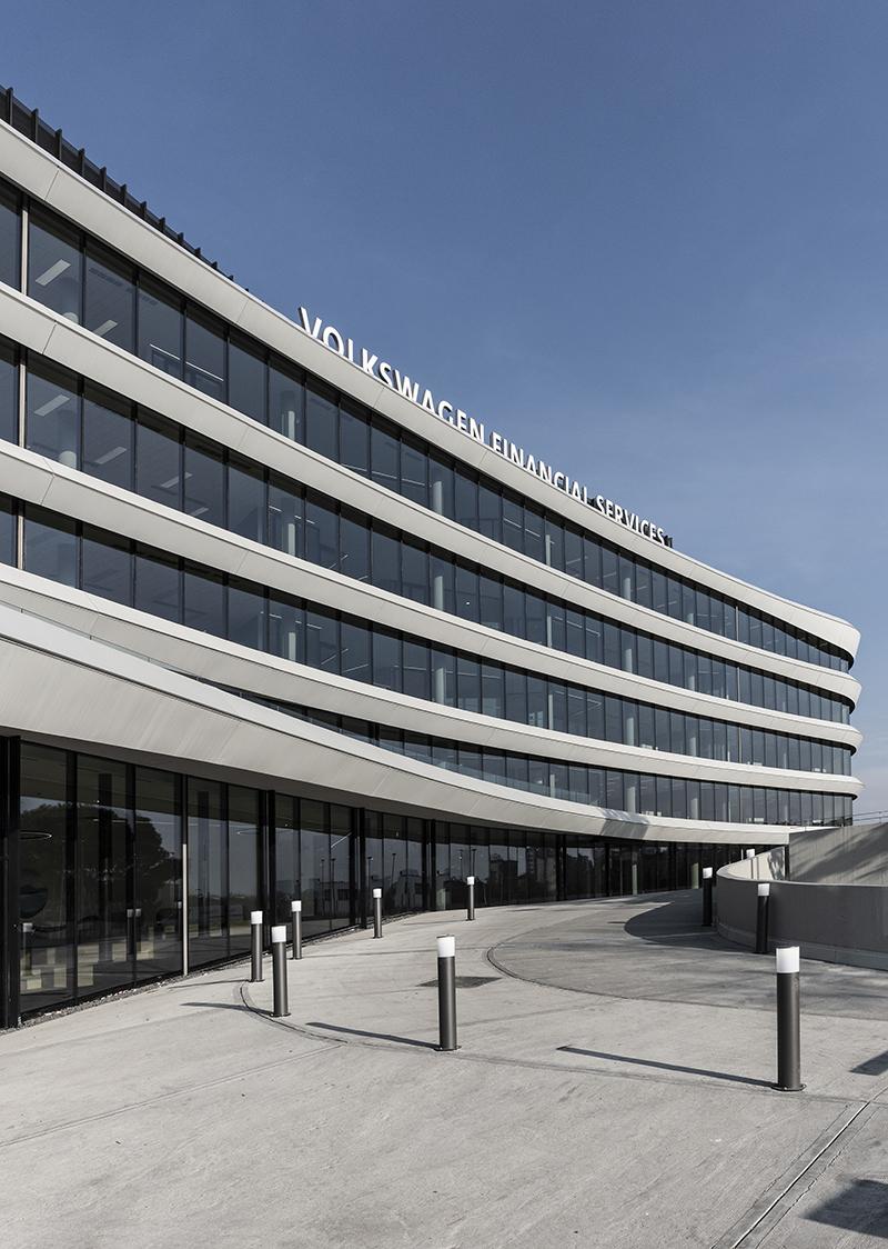 Volkswagen Financial Services_39